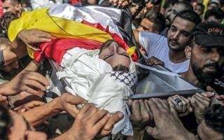 الصورة: 3 شهداء برصاص الاحتلال قرب السياج الحدودي في غزة