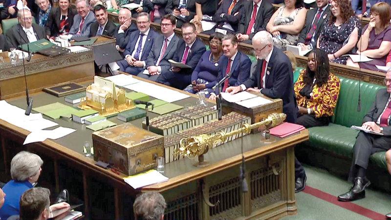 دعوة البرلمان البريطاني إلى الانعقاد الدائم حتى 31 أكتوبر الموعد النهائي لخروج بريطانيا من الاتحاد الأوروبي. رويترز