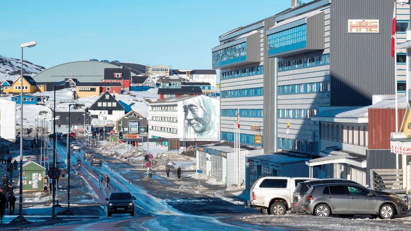 الشارع الرئيس في نوك عاصمة غرينلاند. غيتي
