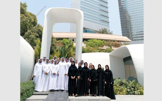 الصورة: منتسبون لشرطة أبوظبي يستشرفون المستقبل