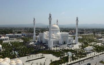 الصورة: بالصور.. الشيشان تفتتح «أكبر وأجمل» مسجد في أوروبا