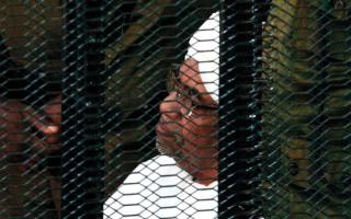 الصورة: دفاع البشير يطالب بالإفراج عنه بكفالة في ثاني جلسة لمحاكمته