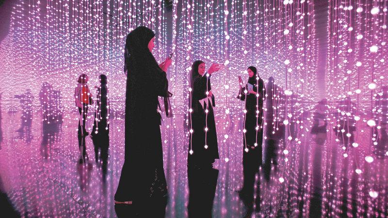المرأة الإماراتية شريكة في صنع المستقبل ومشروعات الدولة الرائدة.  أرشيفية