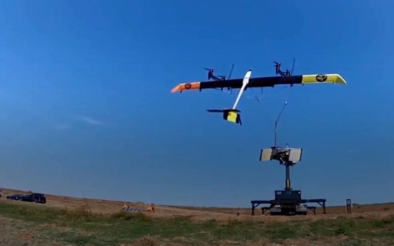 الصورة: بالفيديو.. طائرة شراعية تولد طاقة تكفي لإنارة 300 منزل