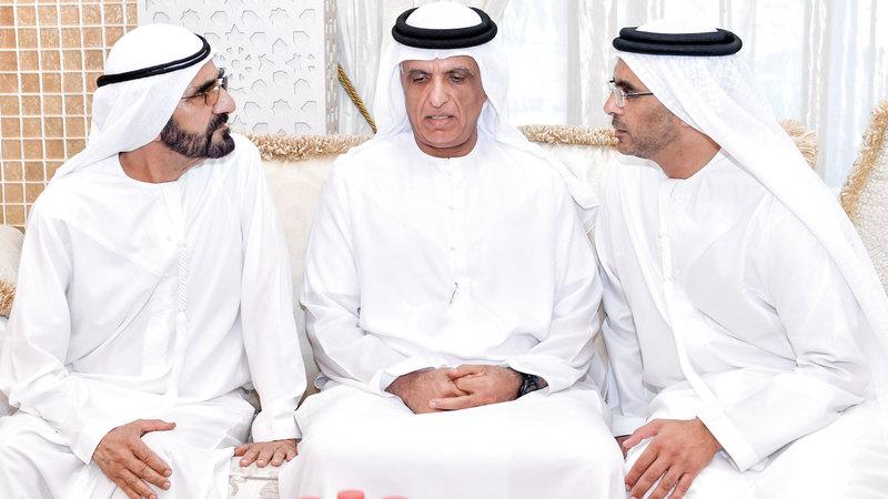 محمد بن راشد وسعود بن صقر القاسمي قدّما واجب العزاء لعائلة سيف أحمد الغرير.  وام