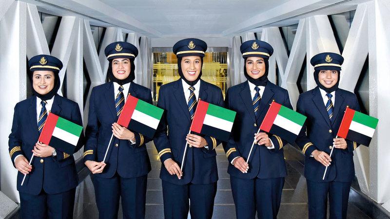 حنان وبخيتة ونوف وعائشة ومريم بعد عودتهن من رحلاتهن. من المصدر