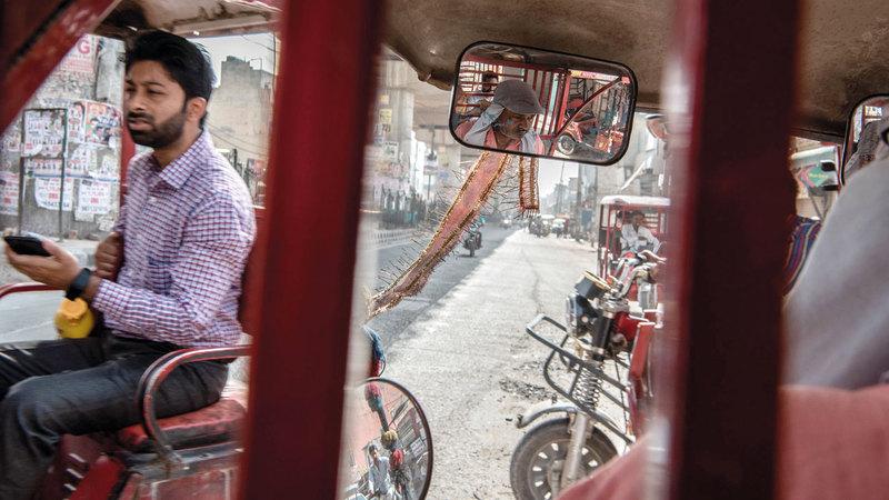 وسيلة شعبية مفضلة للتنقل في الهند. من المصدر