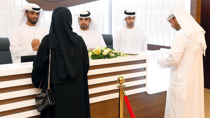 ألزمت اللجنة المرشح بالحصول على إجازة رسمية من جهة العمل لا تقل مدتها عن 32 يوماً.  الإمارات اليوم