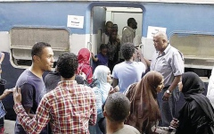 الصورة: «قطار النوبة».. رحلة تنطلق كل عيد أضحى من الإسكندرية إلى أسوان