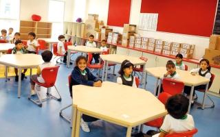 الصورة: ذوو طلبة يقترحون تعريف المعـلمين الجدد بالقيم والتقاليد الإماراتية