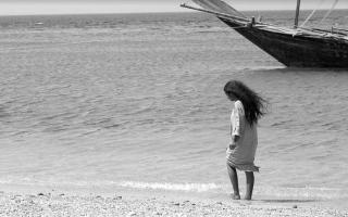 الصورة: «سيدة البحر».. أسطورة سعودية بالأبيض والأسود