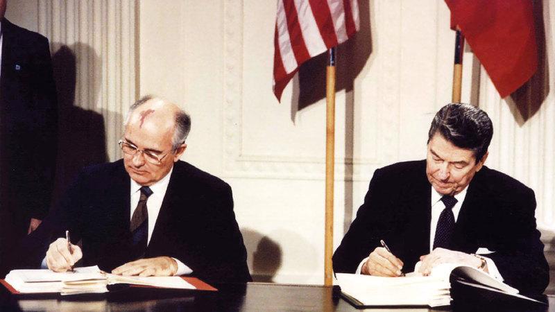 ريغان وغورباتشوف وقّعا الاتفاقية في 1987. رويترز
