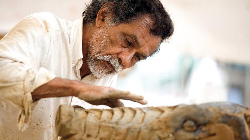توليدو أحد المدافعين بفنه عن شعوب المكسيك الأصلية. رويترز