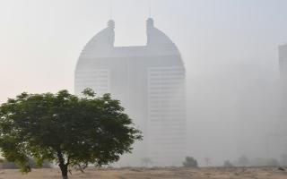 الصورة: بالصور.. لقطات للضباب في الإمارات