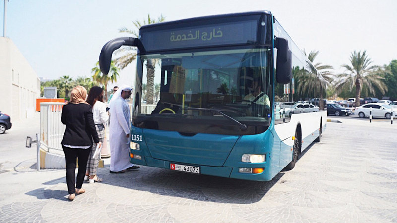 تجربة الخدمة حالياً على متن 10 حافلات تعمل داخل مدينة أبوظبي. من المصدر