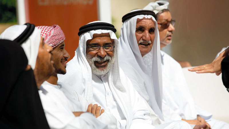 المبادرة تهدف إلى مد جسور التواصل بين الأجيال لتحقيق أثر اجتماعي إيجابي. من المصدر