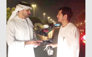الصورة: سعودي يفقد بطاقة هويته وشرطة الشارقة تعيدها إليه في أبوظبي