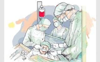 الصورة: «صحة دبي» تحمّل طبيب التخدير المسؤولية عن «غيبوبة روضة»