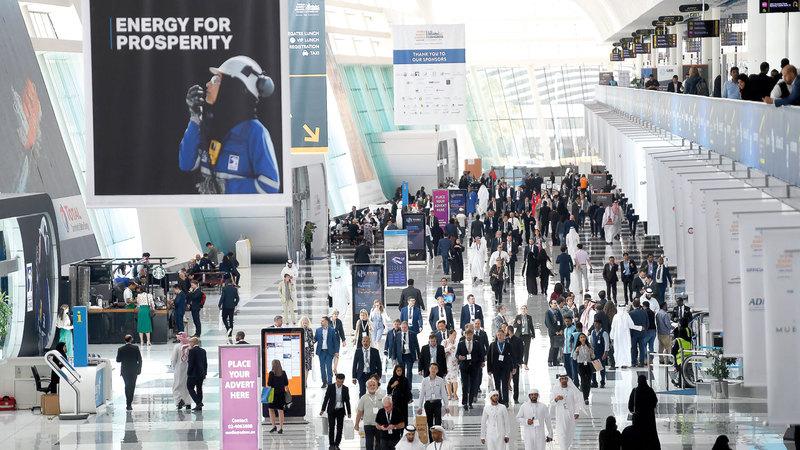 الكشف عن المشروعين الجديدين جاء على هامش مؤتمر الطاقة العالمي في أبوظبي. تصوير: إريك أرازاس