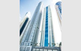 الصورة: «إميرتس كراون».. ناطحة سحاب سكنية على ارتفاع 296 متراً