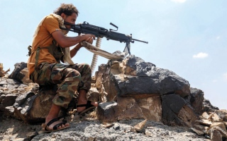 الصورة: مصرع 3 من قيادات الحوثي في نهم.. والقوات اليمنية تتقدّم بالضالع