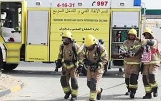الصورة: إصابة شخصين قفزا من الدور الرابع بسبب حريق في عجمان