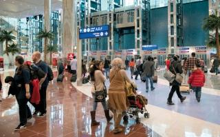 الصورة: 2.5 مرة متوسط سفرات سكان الإمارات سنوياً