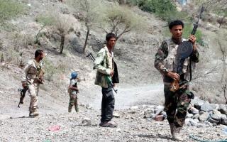 الصورة: غارات للتحالف تدمر مواقع ومخـزن أسلحة وصـواريخ حـوثية في حـجـة والجــوف