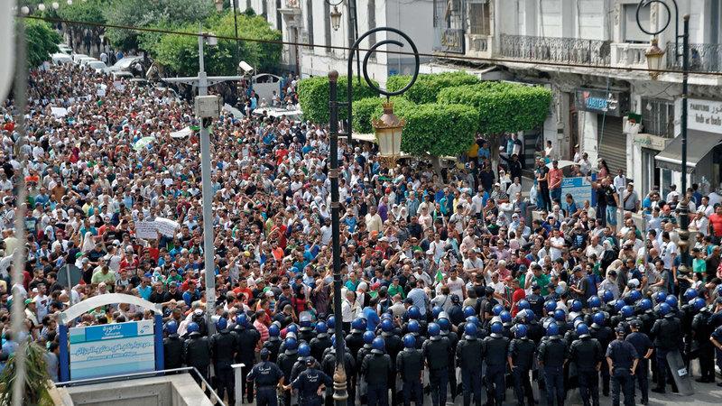 جانب من الاحتجاجات في العاصمة الجزائر.  أ.ف.ب