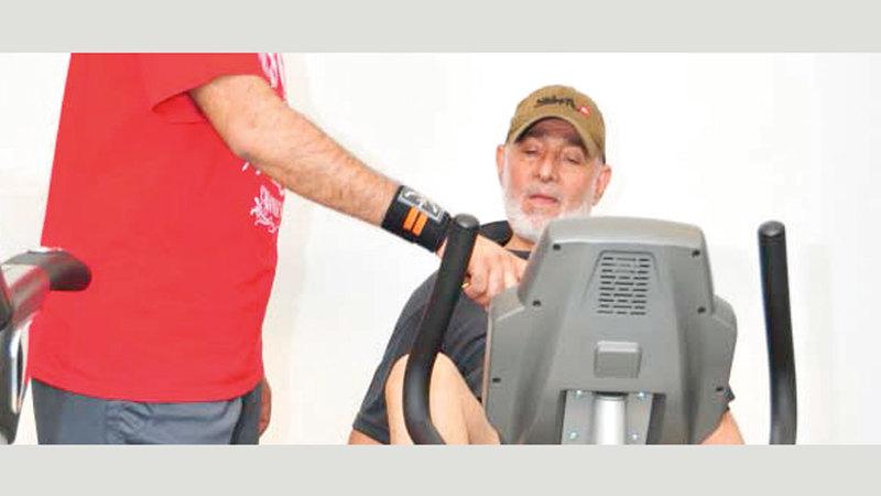 الدراسات العلمية تؤكد ضرورة اتباع الأفراد فوق عمر الـ 65 عاماً برامج رياضية منتظمة.  من المصدر