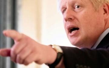 الصورة: جونسون يؤكد أنه لم يشعر بالارتباك خلال تصويره وهو يكذب