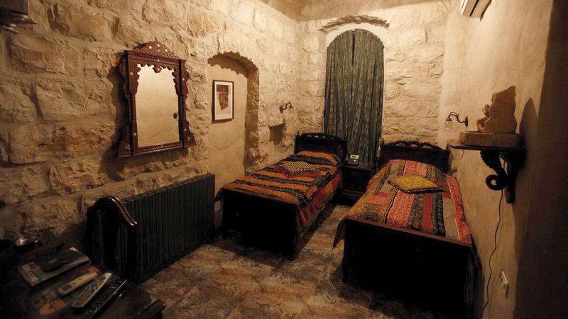 فنادق البلدة القديمة تعود نشأتها للعهد العثماني. من المصدر