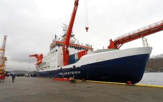 الصورة: سفينة أبحاث ألمانية تبحر صوب القطب الشمالي