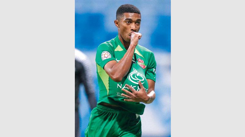 لاعب شباب الأهلي محمد جمعة (بيليه) واصل إحراز الأهداف، وزار شباك حتا. من المصدر