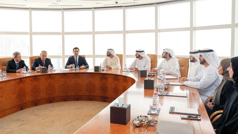 محمد بن راشد التقى اللجنة المشتركة لتفعيل وتنفيذ اتفاقية الشراكة بين الإمارات وأوزبكستان. وام