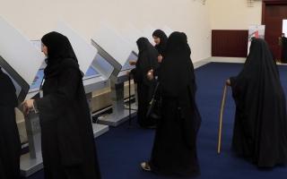 الصورة: تواجد نسائي لافت في التصويت المبكر بأم القيوين