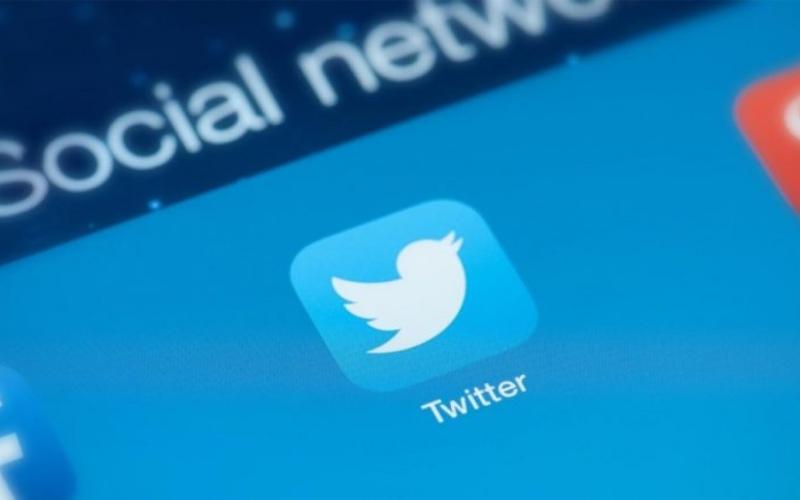 الصورة: عودة خدمات «تويتر» بعد عطل عالمي أثر في آلاف المستخدمين