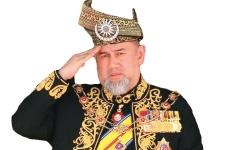 الصورة: ملك ماليزيا السابق مُطالب بنفقة كبيرة لطليقته الروسية