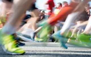 الصورة: أطباء يحذّرون من تعاطي المسكنات قبل ممارسة الرياضة