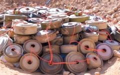 الصورة: ضبط خلية نسائية حوثية تلغّم الأسواق في مدينة الحزم بالجوف