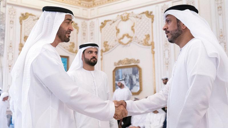 محمد بن زايد يستقبل وفود المراكز الأفضل على مستوى الدولة وام