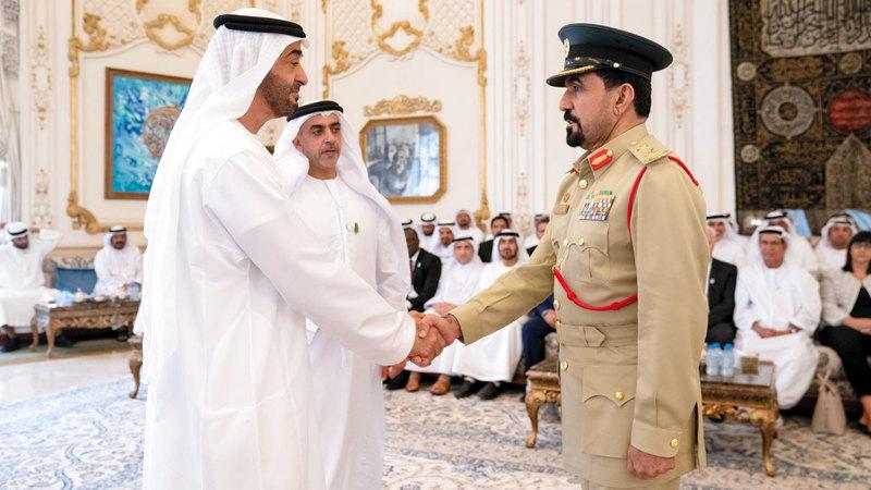 ولي عهد أبوظبي خلال استقباله وفداً من الجمعية الدولية (IACP). وام