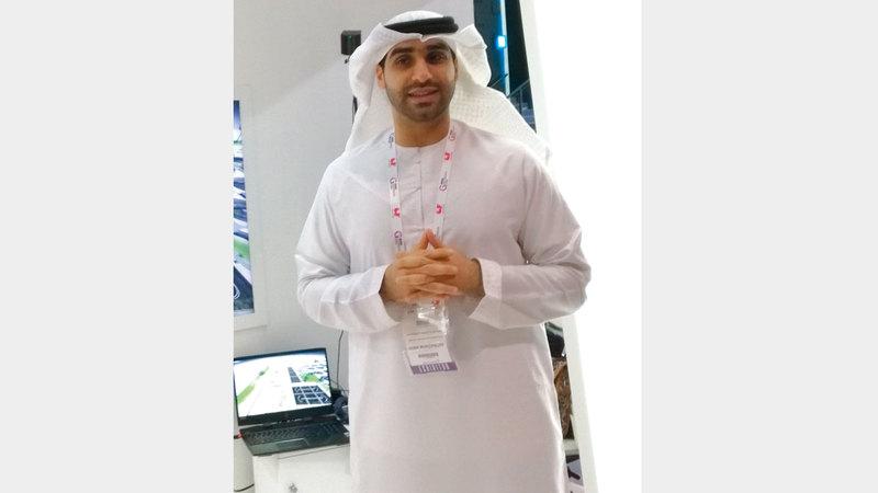 محمد الريس متحدثاً عن التقنية الجديدة. الإمارات اليوم
