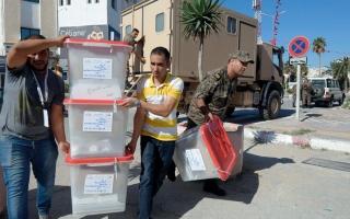 الصورة: التونسيون يصوّتون في «إعادة الانتخابات الرئاسية»