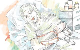 الصورة: متبرّع يسدّد 14.3 ألف درهم تكاليف علاج «أم أحمد» لمدة عام