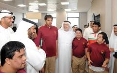 الصورة: أنامل أصحاب الهمم تنتج أرفف حمل المصاحف ومنابر المساجد
