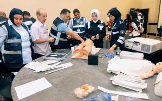 الصورة: «الدولي للطوارئ» يوصي بتعزيز مهارات الكوادر الوطنية