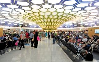 الصورة: إطلاق أول شركة طيران اقتصادي في أبوظبي