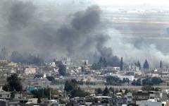 الصورة: الجيش السوري يدخل «كوباني» ويشـتبك مع القوات التركية وفصائل موالية لها قرب منبج