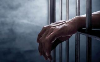 الصورة: «خيرية الشارقة» تتكفل بديون سجين متعثر مالياً